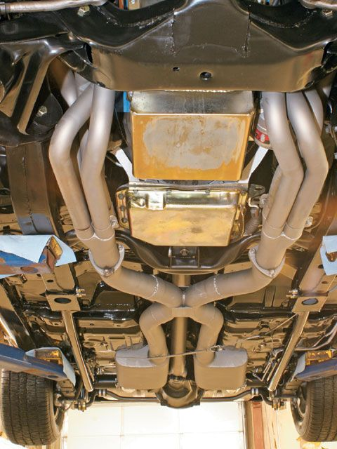 Click image for larger version  Name:0706_hppp_07_z+1979_pontiac_trans_am+exhaust_system.jpeg Views:120 Size:67.5 KB ID:49880