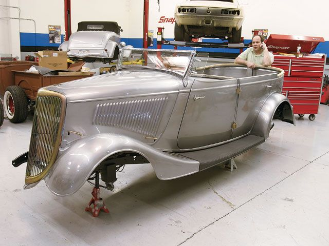 Click image for larger version  Name:0808sr_01_z+1934_ford_phaeton_chassis_and_brakes_upgrade+body.jpg Views:123 Size:118.0 KB ID:53313