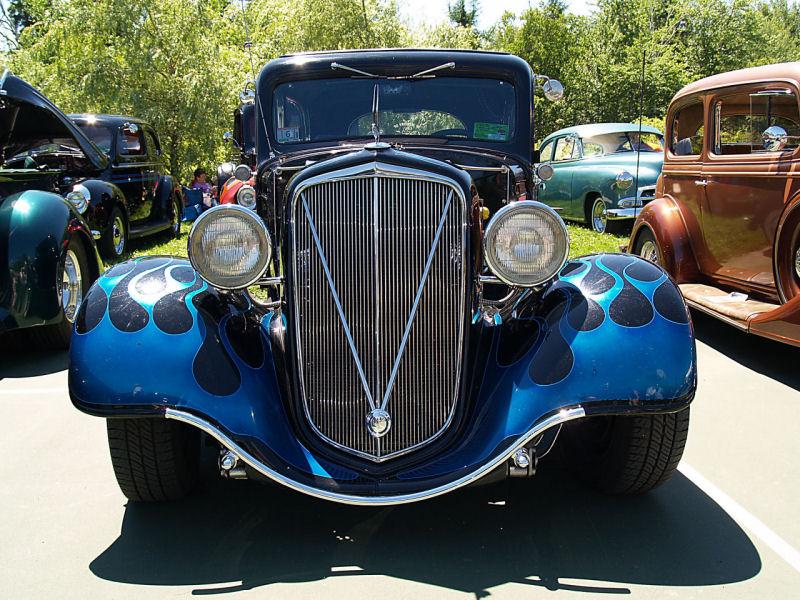 Click image for larger version  Name:1935 Chevrolet Sedan streetrod blue fv=KRM.jpg Views:95 Size:170.9 KB ID:23643
