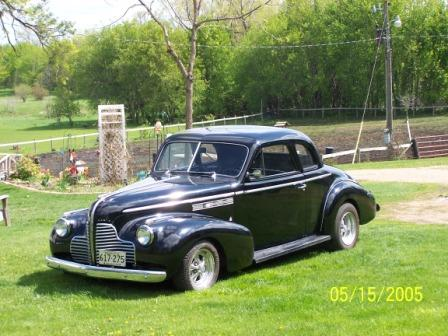 Click image for larger version  Name:1940 Buick Front.JPG Views:68 Size:38.1 KB ID:23869