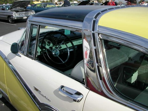 Click image for larger version  Name:1956FORD_skyliner.jpg Views:72 Size:58.1 KB ID:15229