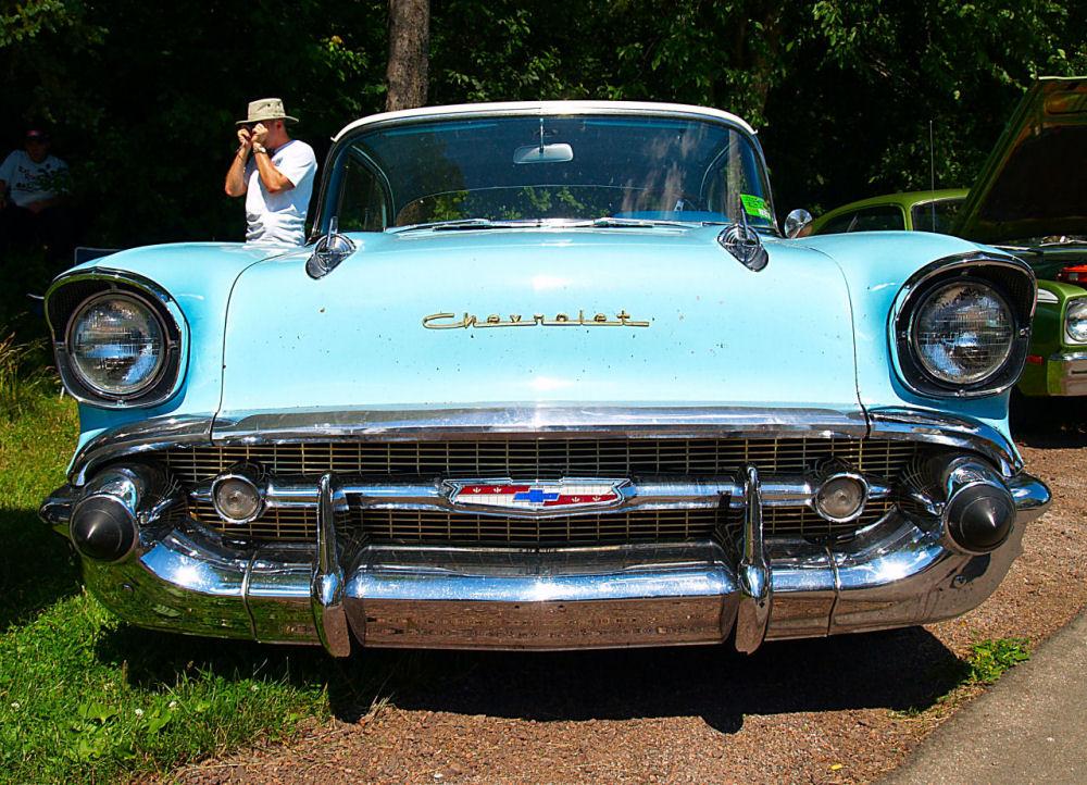 Click image for larger version  Name:1957 Chevrolet Bel Air fv=KRM.jpg Views:81 Size:238.3 KB ID:23506