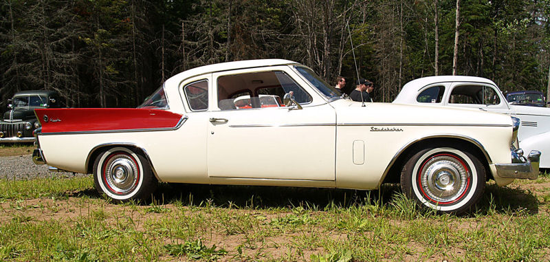 Click image for larger version  Name:1960 Studebaker Hawk white-red sv2=KRM.jpg Views:76 Size:121.1 KB ID:23532