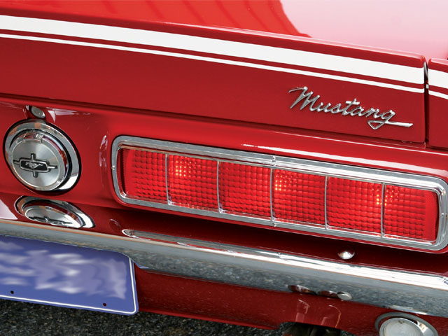 Click image for larger version  Name:1968_mustang_hcs+taillight.jpg Views:106 Size:79.4 KB ID:67658