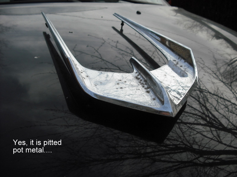 Click image for larger version  Name:2009-03-24 mystery hood ornament 001.JPG Views:124 Size:142.6 KB ID:37069