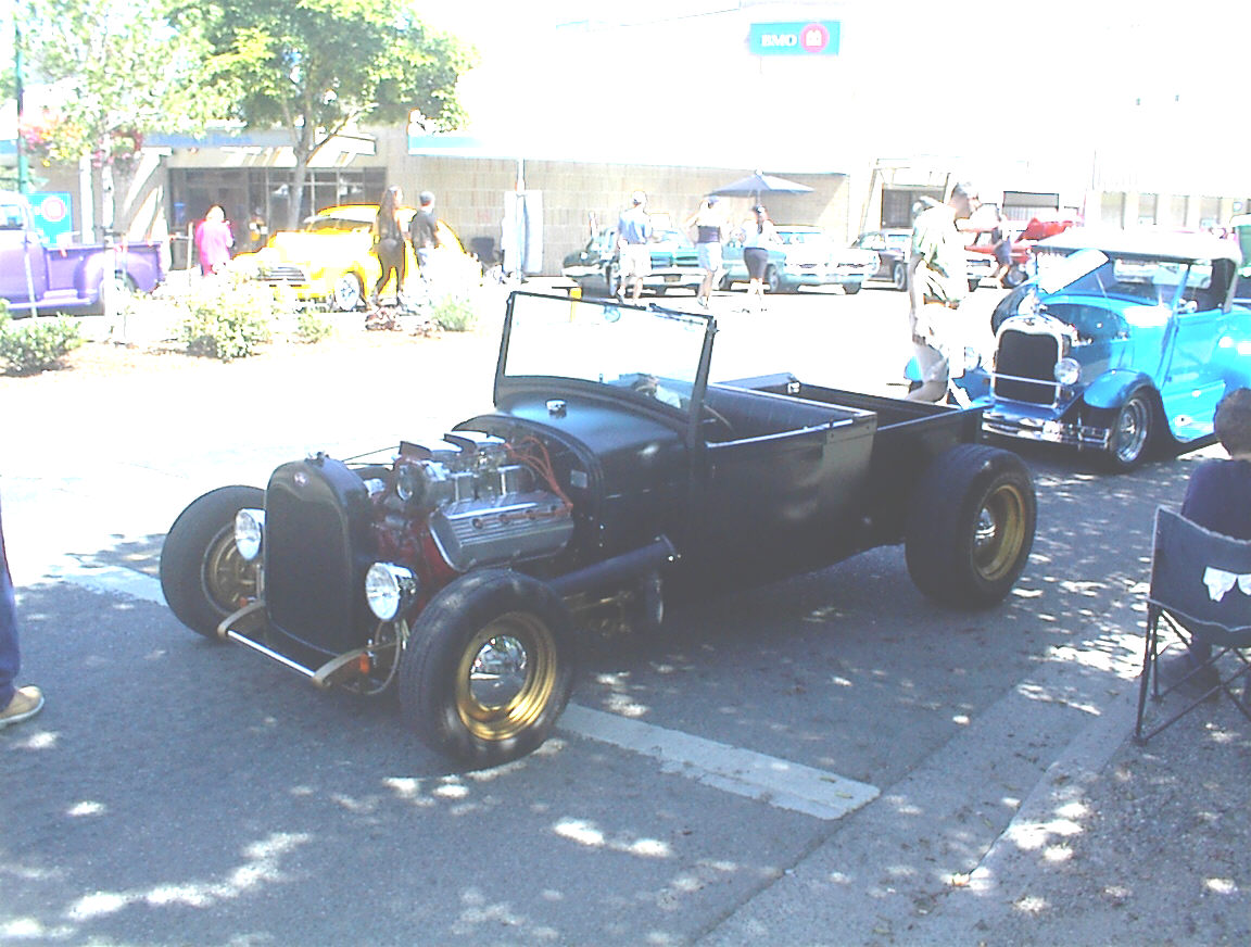 Click image for larger version  Name:331 Hemi Roadster.jpg Views:136 Size:205.1 KB ID:24205