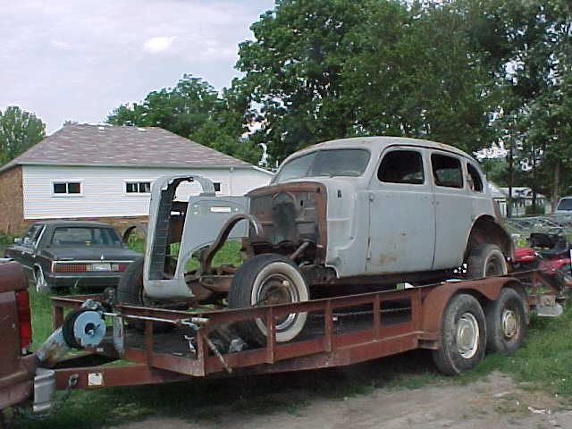 Click image for larger version  Name:37 buick 1.jpg Views:61 Size:44.8 KB ID:50261