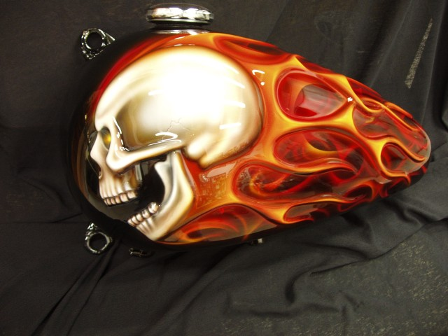 Click image for larger version  Name:3D skull gas tank repainted.jpg Views:139 Size:64.9 KB ID:16883