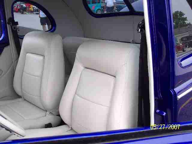 Click image for larger version  Name:40 rear seat.jpg Views:168 Size:23.4 KB ID:21548