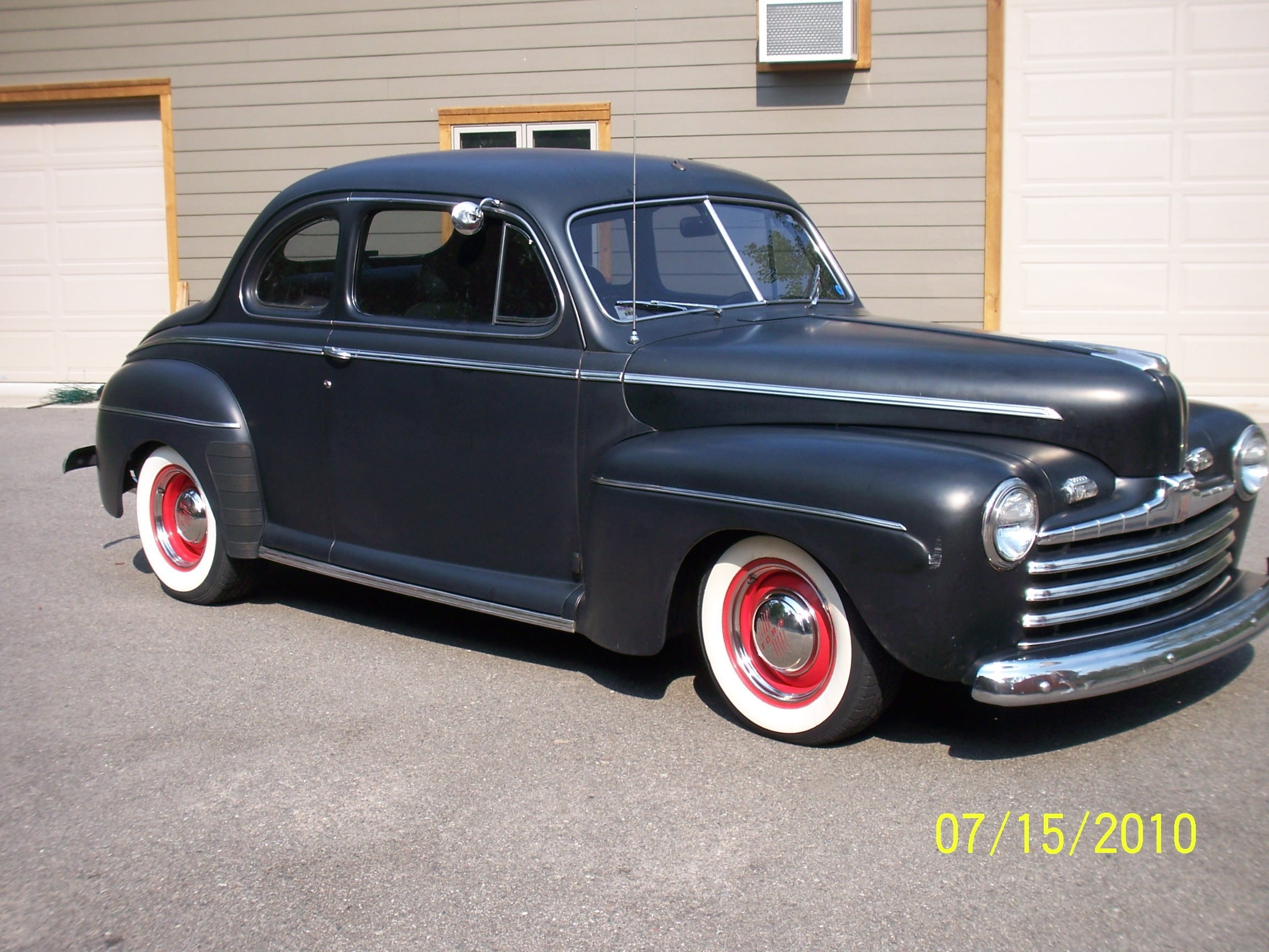 Click image for larger version  Name:46Ford.JPG Views:836 Size:1.77 MB ID:57760