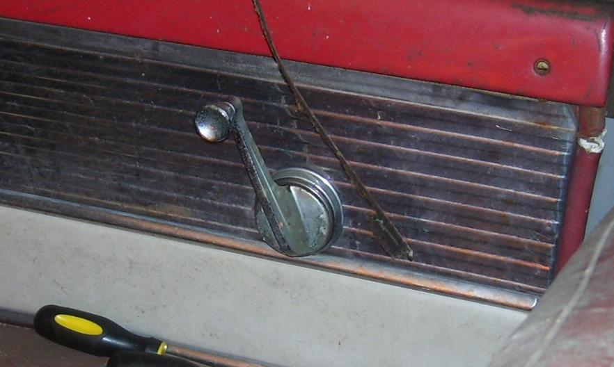 Click image for larger version  Name:55merc-window-crank.JPG Views:97 Size:55.4 KB ID:30258