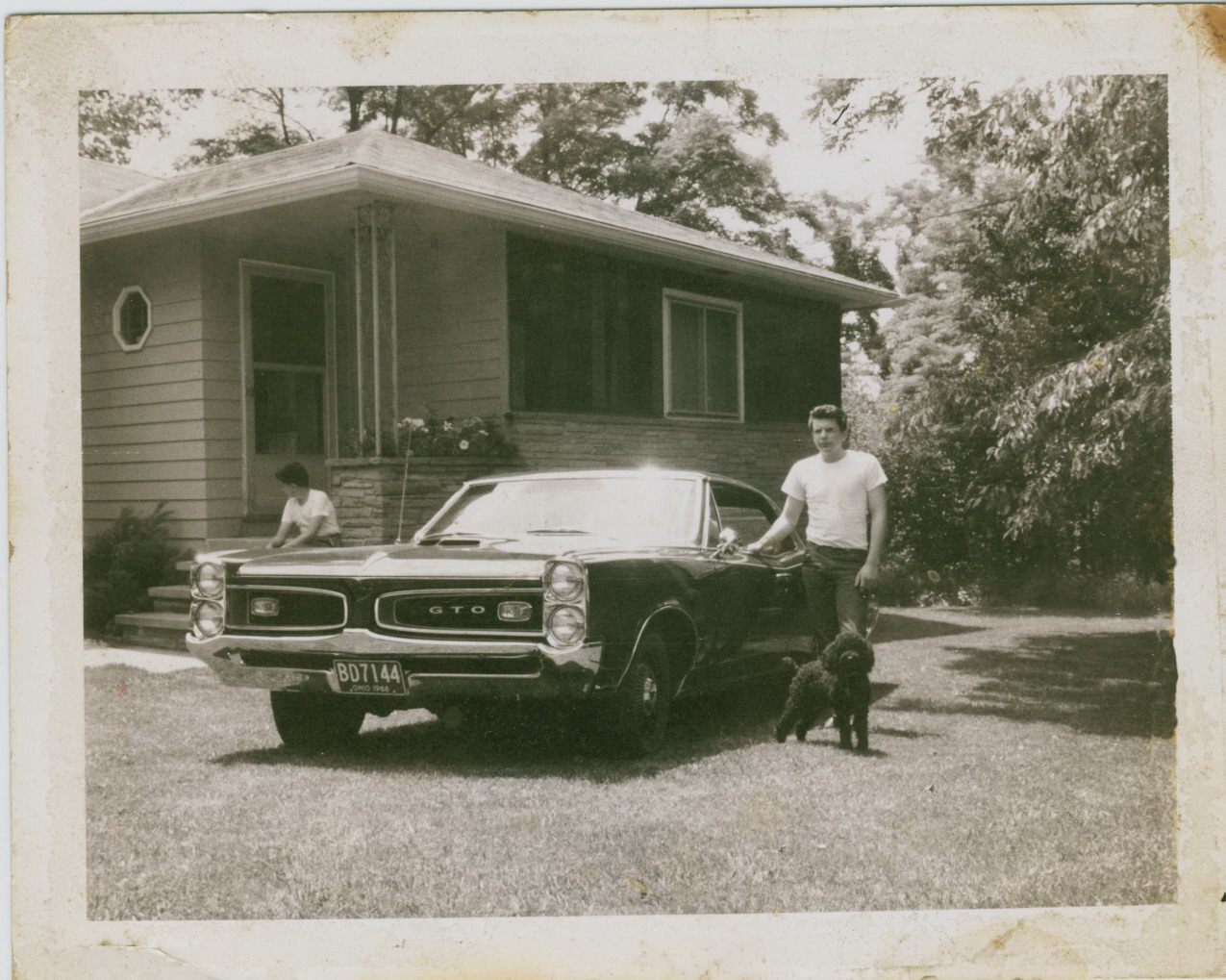 Click image for larger version  Name:66 GTO Yard cleaned up.jpg Views:81 Size:332.6 KB ID:63677