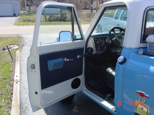 Click image for larger version  Name:69 chevy truck 055.jpg Views:79 Size:60.3 KB ID:11379