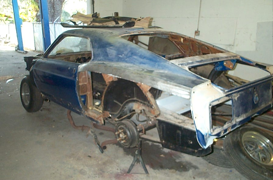 Click image for larger version  Name:70 stang4.jpg Views:93 Size:109.3 KB ID:29315