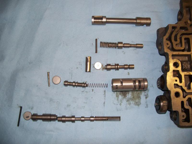 Click image for larger version  Name:700r4 valves.jpg Views:610 Size:49.3 KB ID:64973