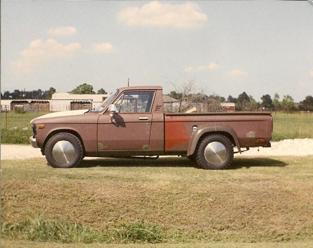 Click image for larger version  Name:'76 Luv 4.3 V-6 Dually.jpg Views:403 Size:250.6 KB ID:30604