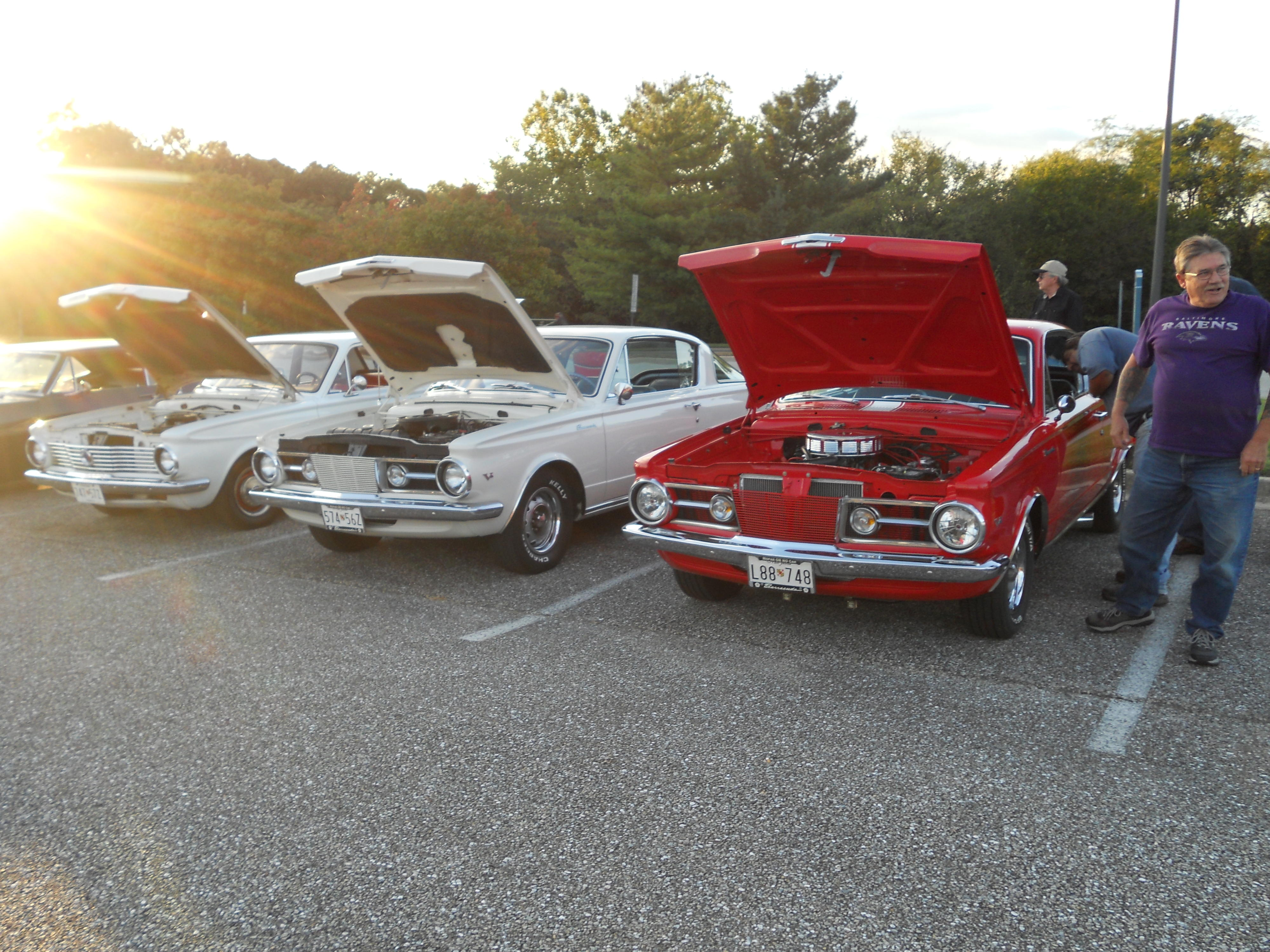 Click image for larger version  Name:9-28-13 car show 027.jpg Views:51 Size:1.37 MB ID:85242
