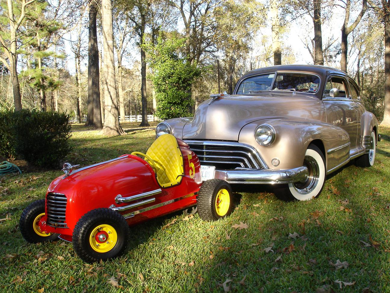 Click image for larger version  Name:After Restoration with my 48 Olds a.JPG Views:73 Size:420.5 KB ID:58852