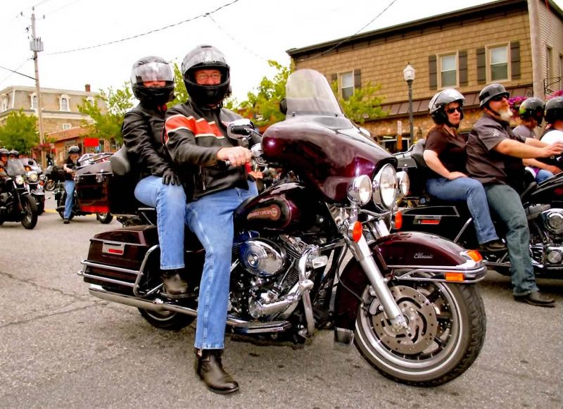 Click image for larger version  Name:Americade 2013.jpg Views:58 Size:99.6 KB ID:454405