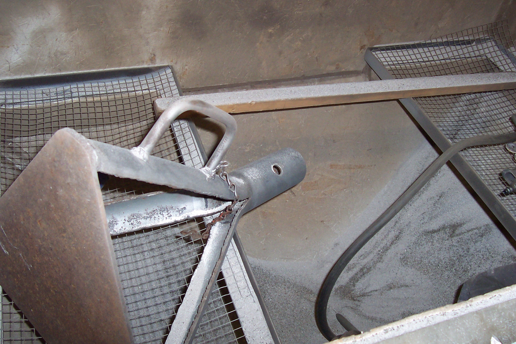 Click image for larger version  Name:axle and cabinet 008.JPG Views:116 Size:872.6 KB ID:51139