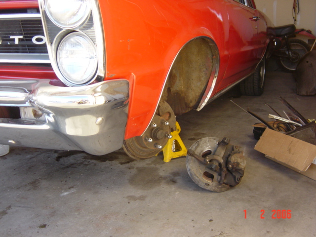 Click image for larger version  Name:b body brakes 004.jpg Views:167 Size:151.6 KB ID:9760