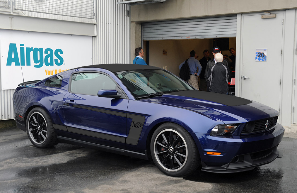 Click image for larger version  Name:Boss302-Kona-blue-Blk-low.jpg Views:189 Size:423.7 KB ID:55485