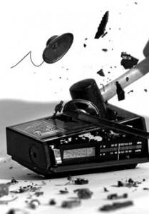 Click image for larger version  Name:broken-radio-209x300.jpg Views:49 Size:17.5 KB ID:117337