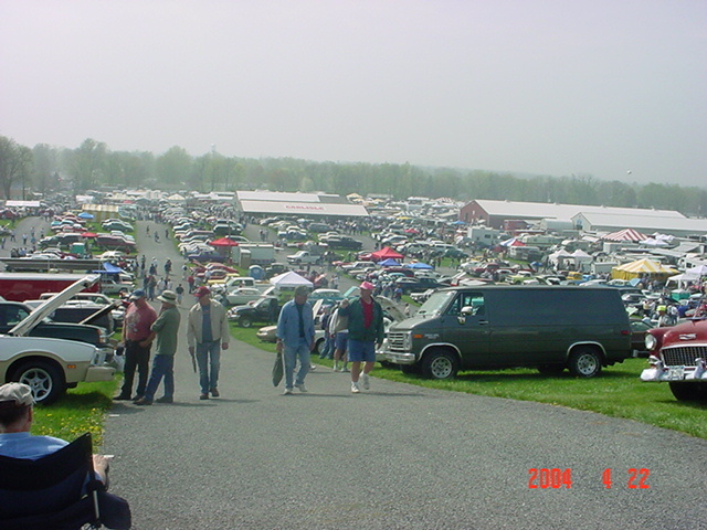 Click image for larger version  Name:cars at grounds #3.jpg Views:45 Size:151.7 KB ID:4646