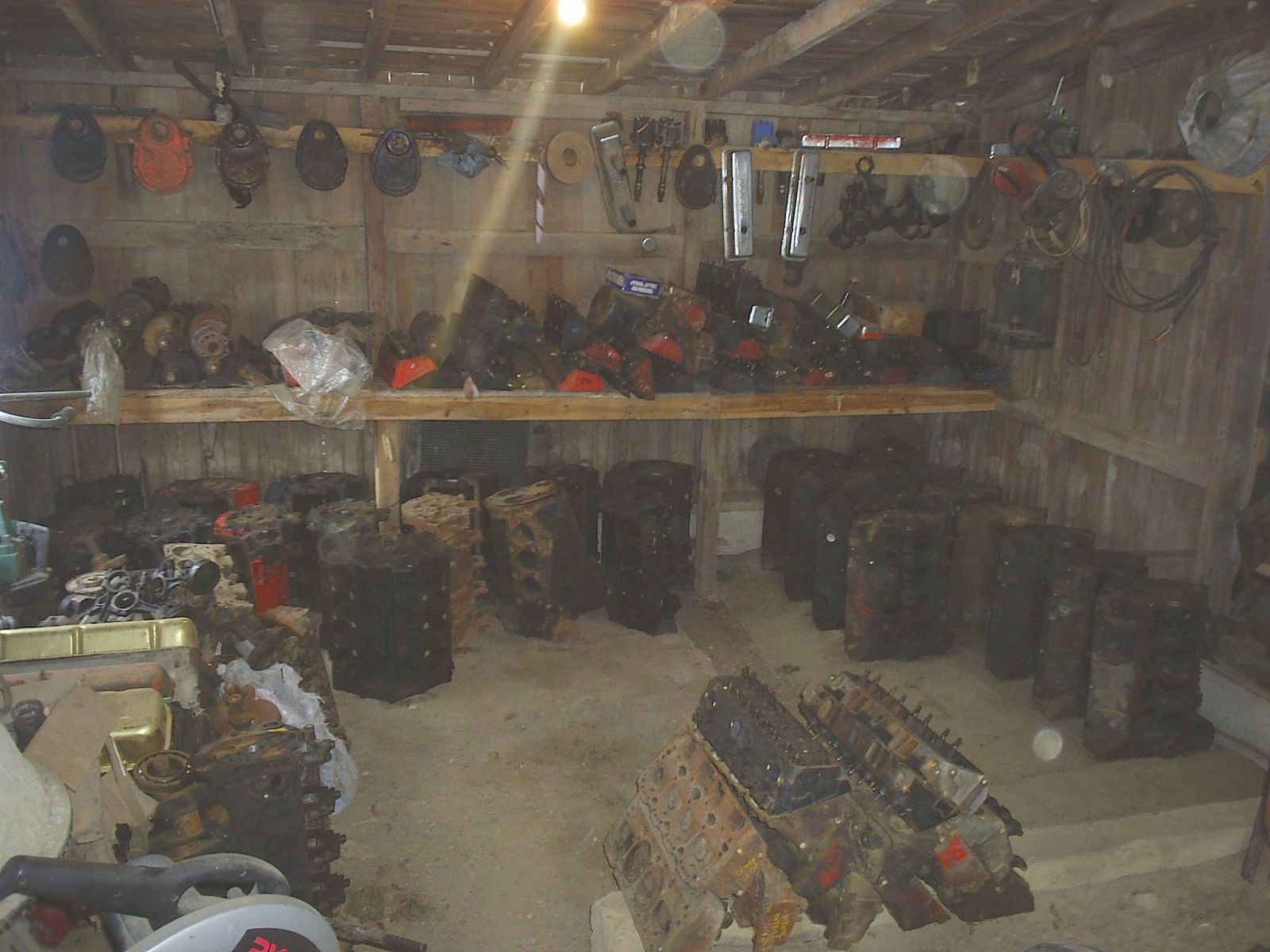 Click image for larger version  Name:chevy shed.jpg Views:129 Size:221.1 KB ID:4449