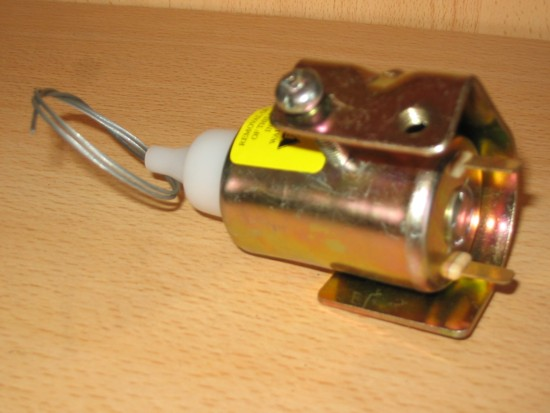 Click image for larger version  Name:door solenoid.jpg Views:145 Size:43.0 KB ID:2859