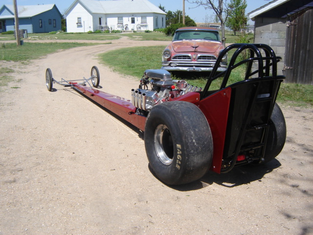 Click image for larger version  Name:dragster and funnycar 002.jpg Views:80 Size:137.8 KB ID:11937