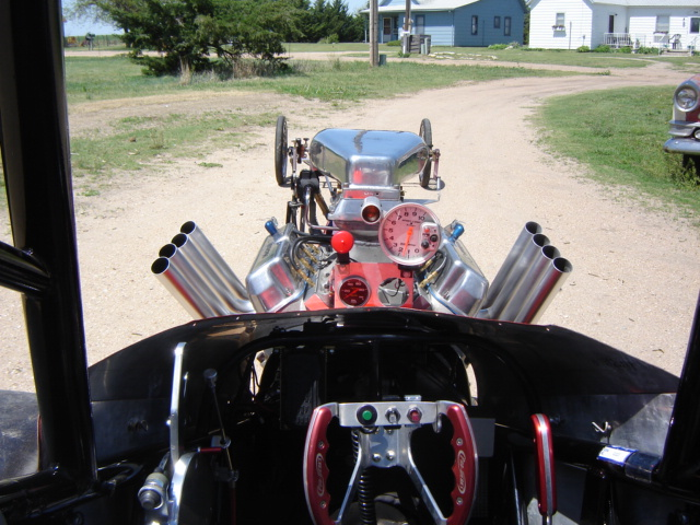 Click image for larger version  Name:dragster and funnycar 003.jpg Views:79 Size:151.7 KB ID:11938