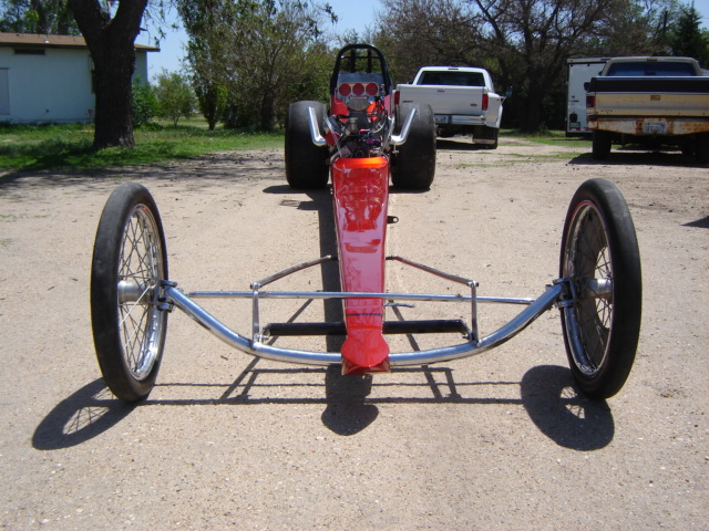 Click image for larger version  Name:dragster and funnycar 004.jpg Views:75 Size:146.7 KB ID:11939