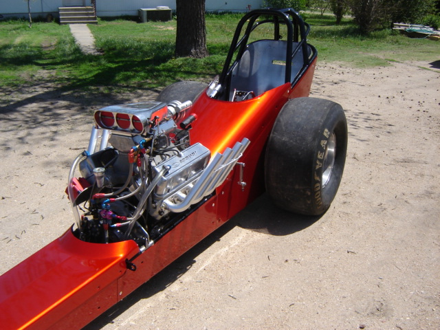 Click image for larger version  Name:dragster and funnycar 007.jpg Views:227 Size:150.9 KB ID:12355