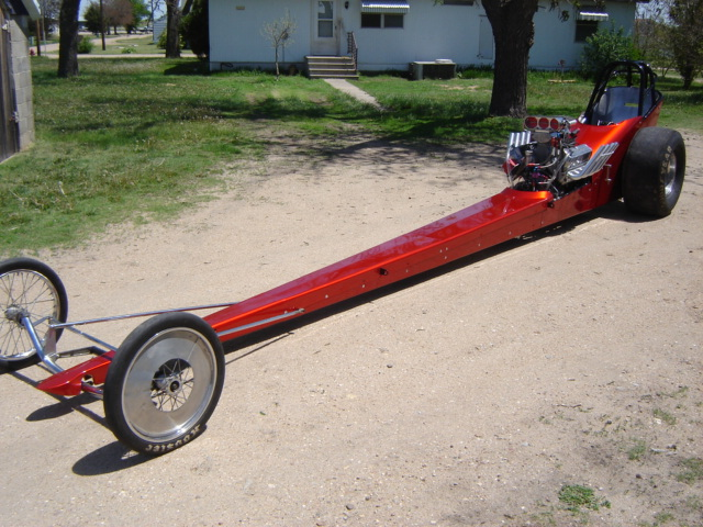 Click image for larger version  Name:dragster and funnycar 008.jpg Views:75 Size:147.5 KB ID:11942
