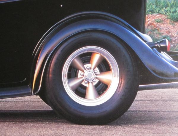 Click image for larger version  Name:E-Tclassic 5 w tire.jpg Views:92 Size:41.6 KB ID:75832