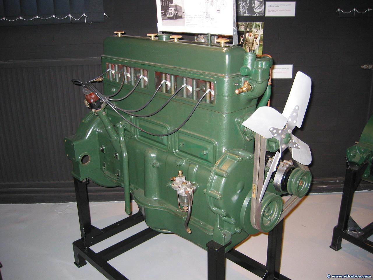 Click image for larger version  Name:engine.jpg Views:112 Size:139.1 KB ID:65643