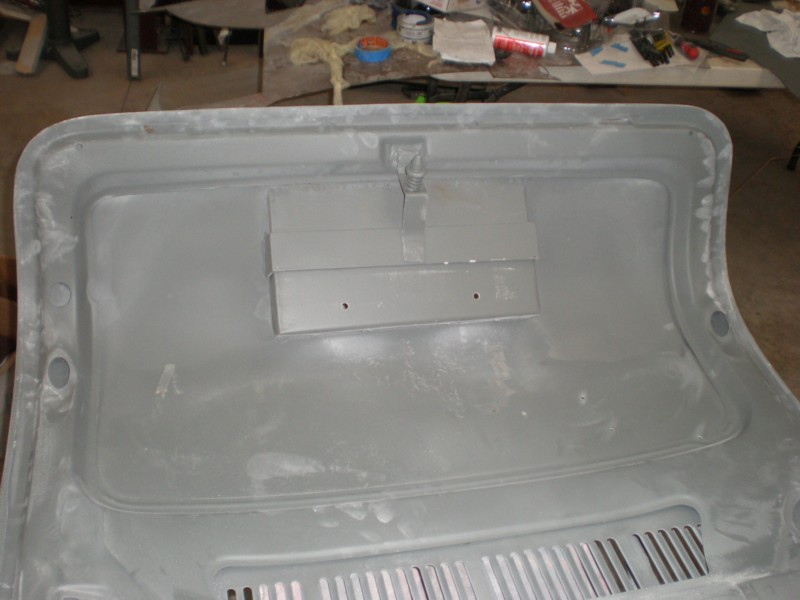 Click image for larger version  Name:Engine Lid May 2009 003.jpg Views:446 Size:71.7 KB ID:38091