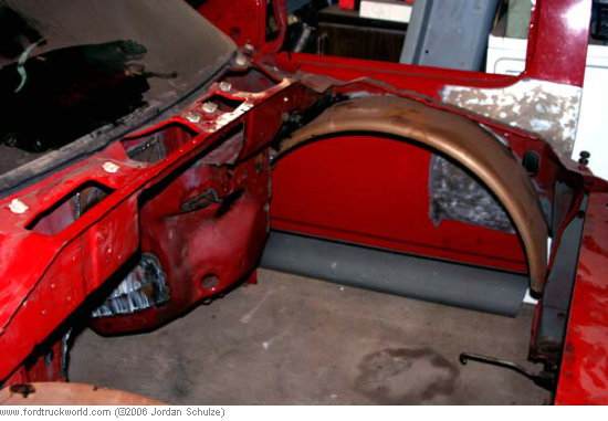 Click image for larger version  Name:enginebay.jpg Views:402 Size:48.0 KB ID:14970