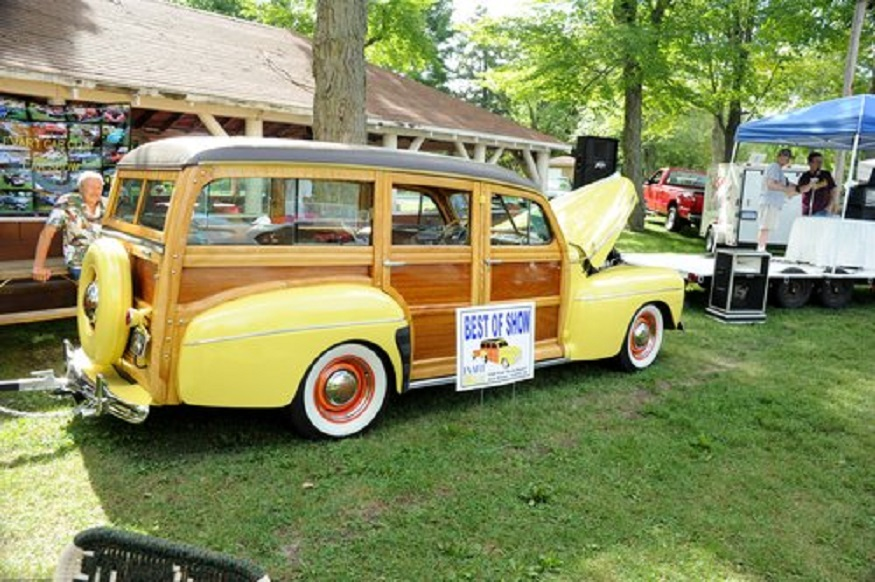 Click image for larger version  Name:Evart Car Club-CarShow 8-31-13-10.jpg Views:51 Size:220.5 KB ID:139314
