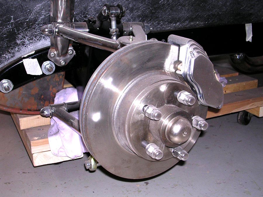 Click image for larger version  Name:Front brakes.jpg Views:114 Size:161.1 KB ID:13334