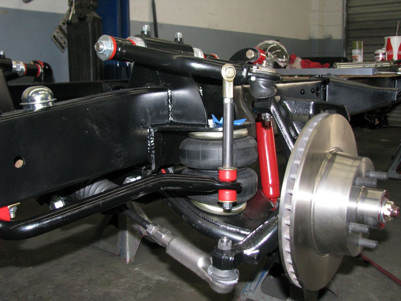 Click image for larger version  Name:front sway bar1.jpg Views:222 Size:175.8 KB ID:45673