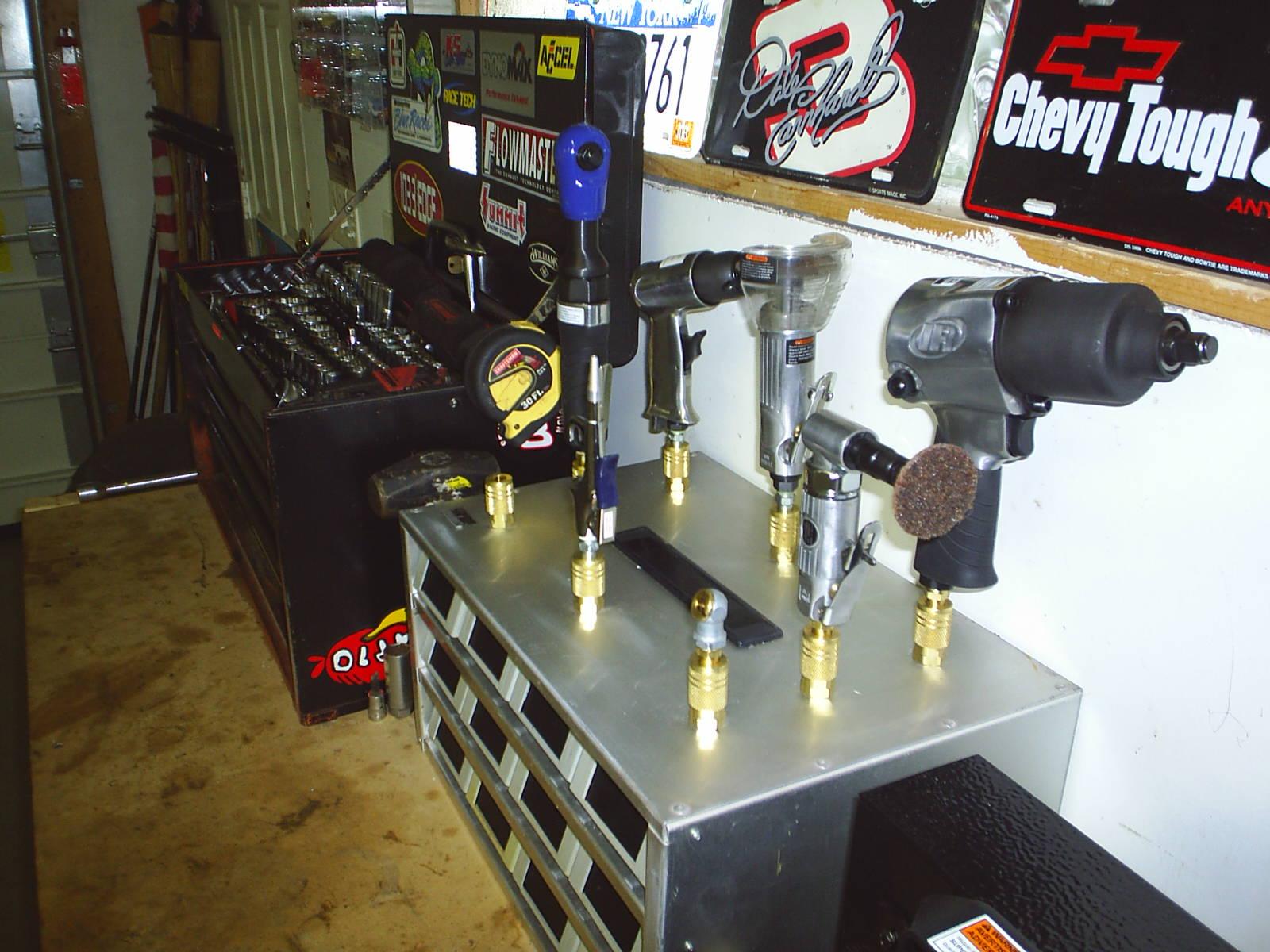 Click image for larger version  Name:Garage photos 005.jpg Views:932 Size:225.4 KB ID:8063