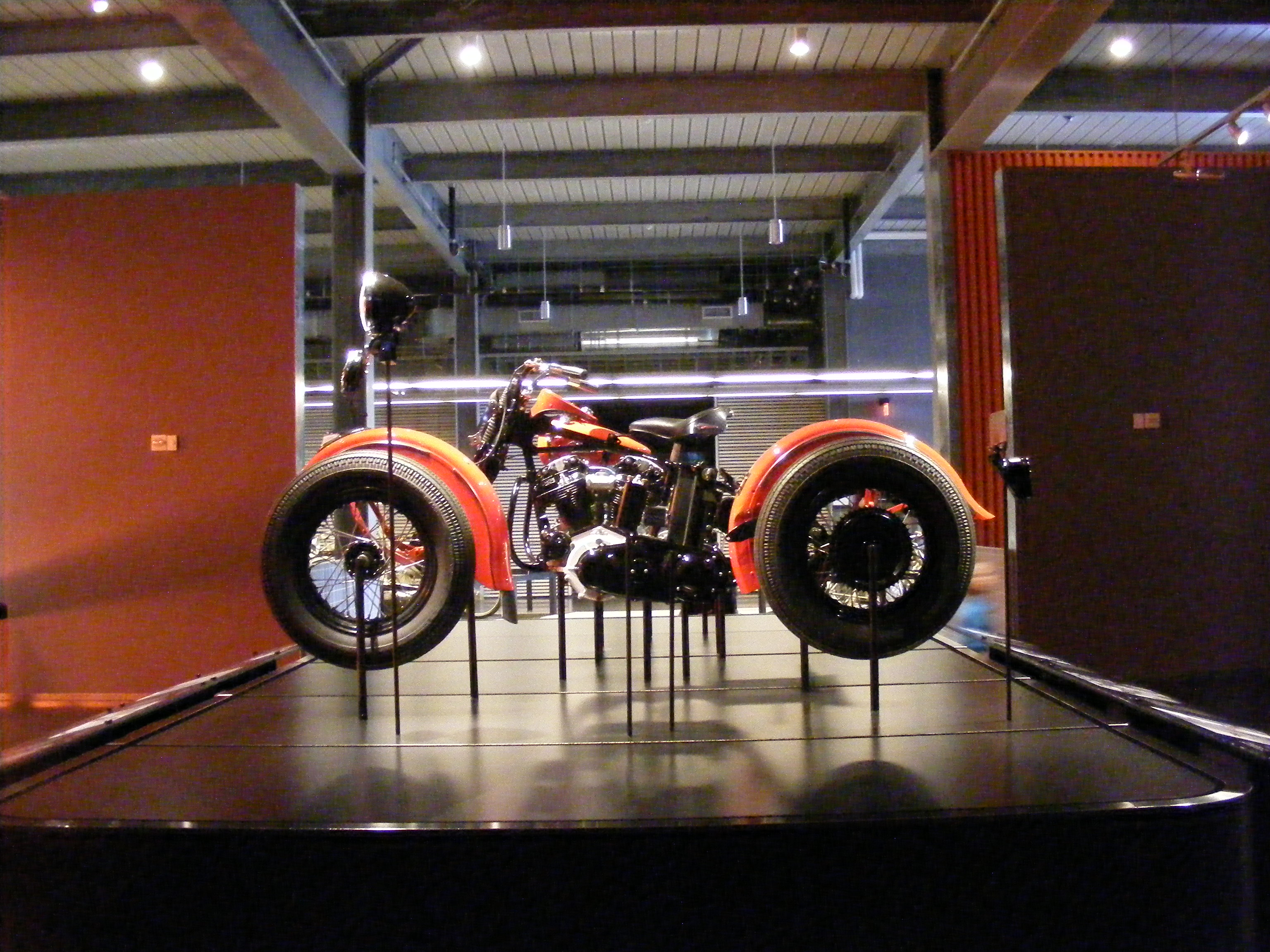 Click image for larger version  Name:Harley Musium 011.jpg Views:78 Size:1.29 MB ID:66688