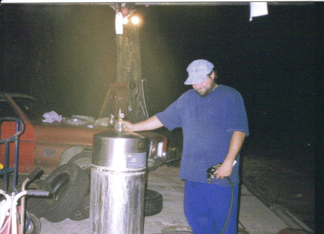 Click image for larger version  Name:home made sand blaster.jpg Views:1817 Size:59.4 KB ID:11508