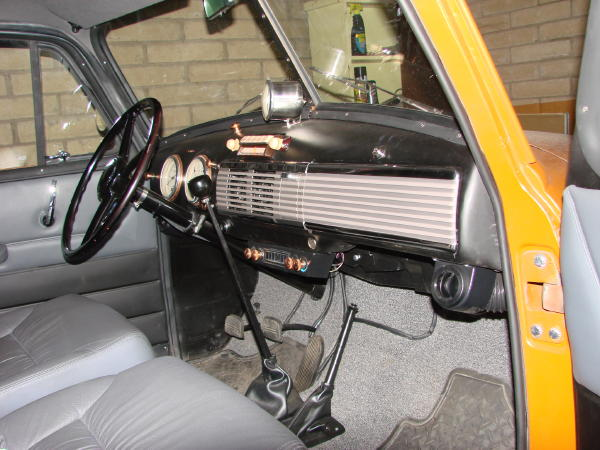 Click image for larger version  Name:interior1.JPG Views:329 Size:71.1 KB ID:42372