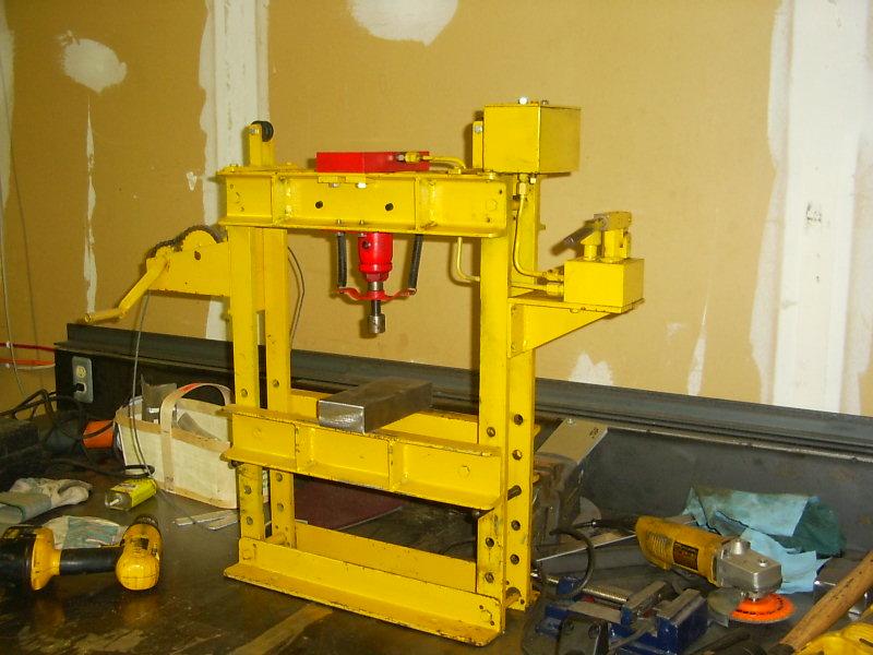 Click image for larger version  Name:mini shop press.jpg Views:1566 Size:100.2 KB ID:3948