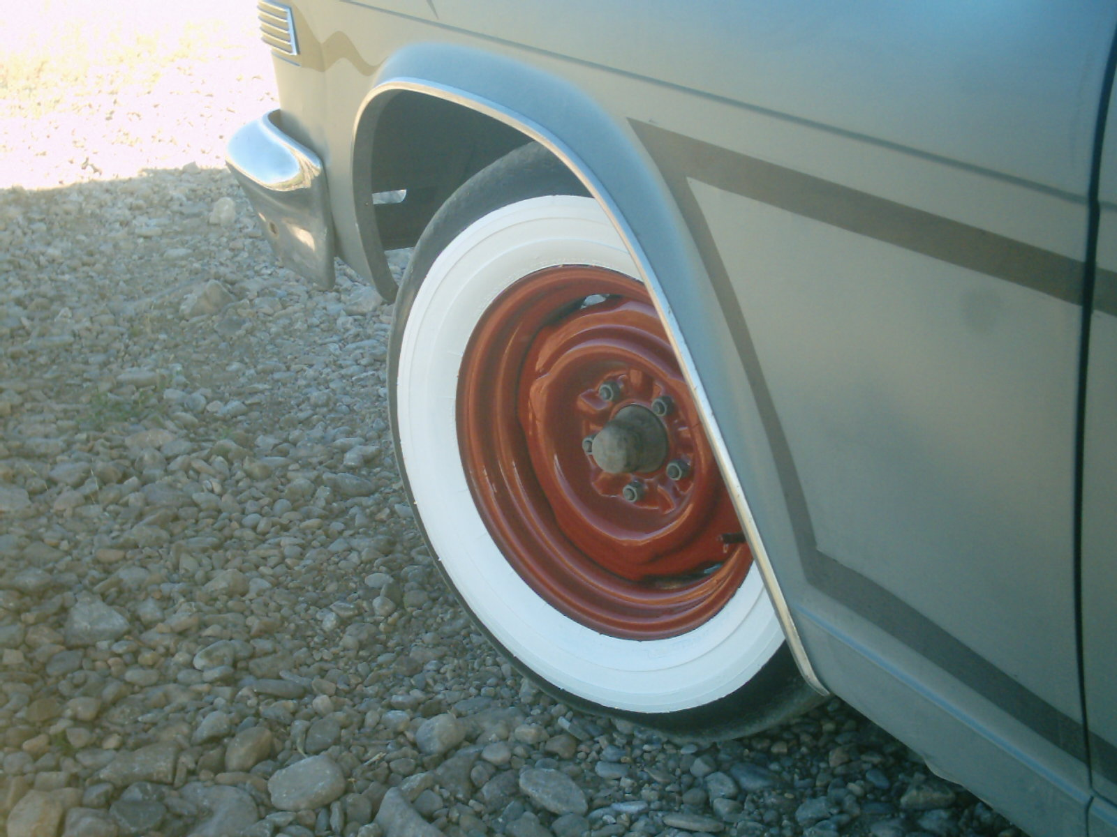 Click image for larger version  Name:new wheels 003.jpg Views:81 Size:262.3 KB ID:5738