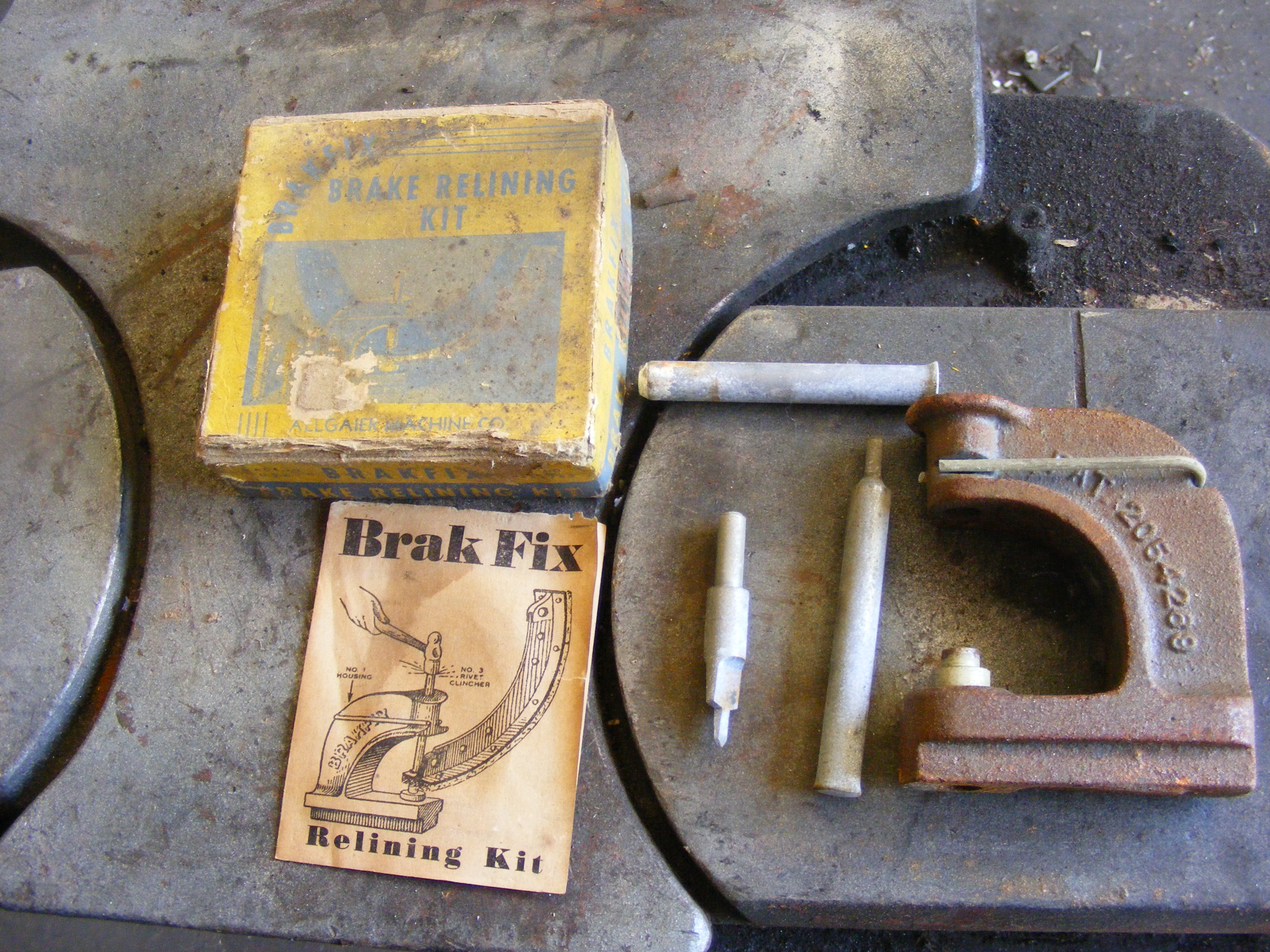 Click image for larger version  Name:Old tools 002.jpg Views:81 Size:1.49 MB ID:65223