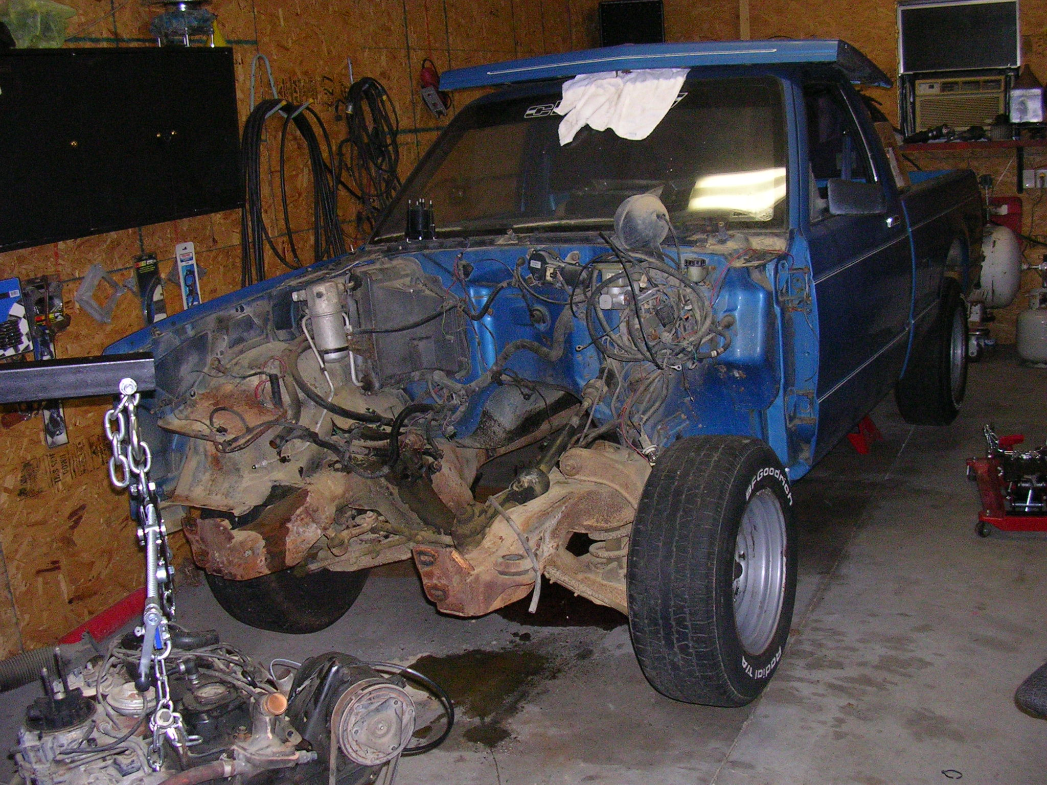 Click image for larger version  Name:old_motor_trans_out.JPG Views:259 Size:730.5 KB ID:72687